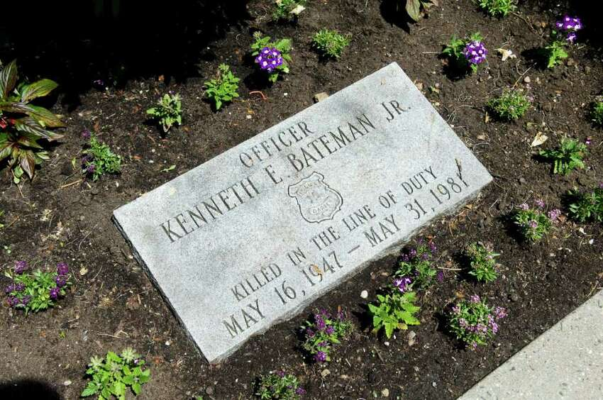 This month marks the 30th anniversary of slain Darien police Officer Kenneth Bateman's death in Darien, Conn. on Wednesday May 25, 2011.