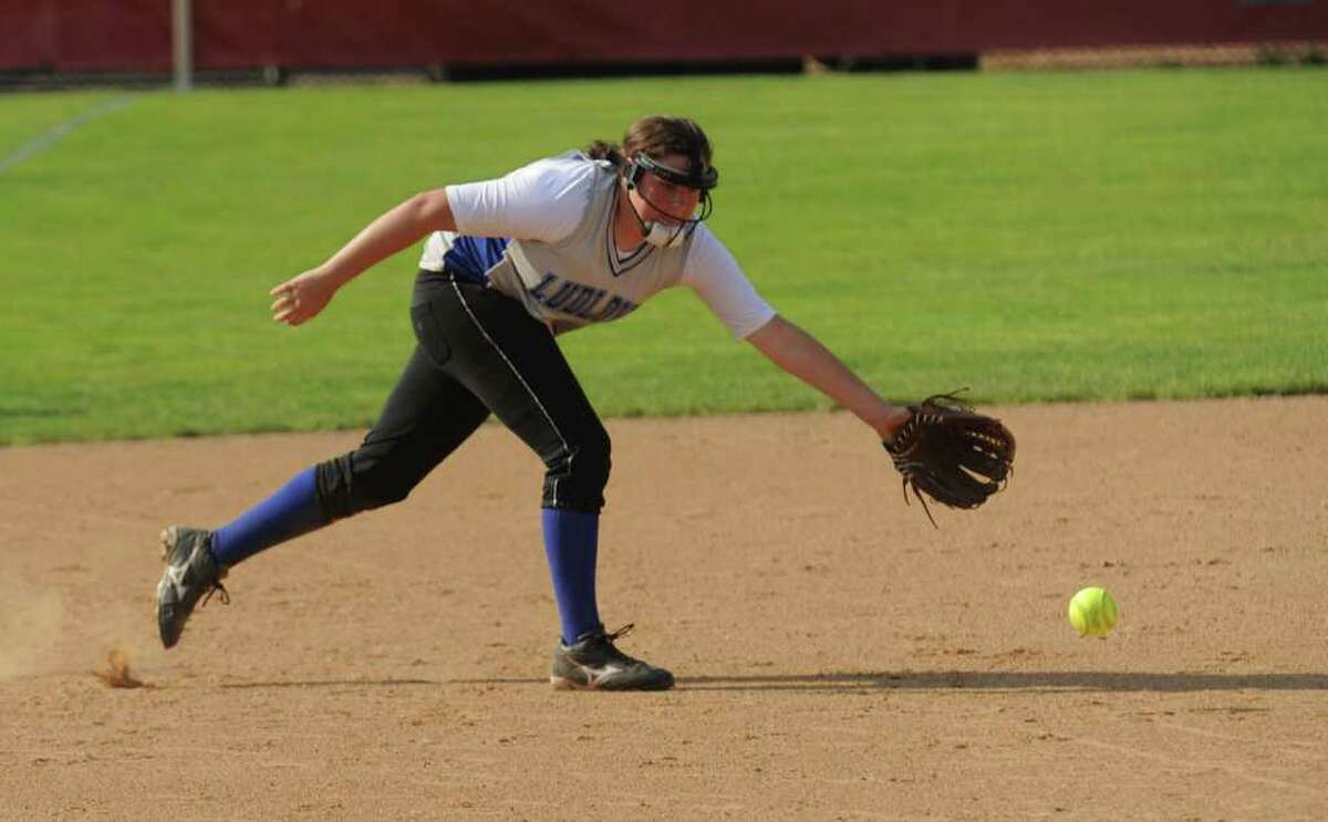 Highlights from the FCIAC girls softball final between Fairfield Ludlowe and Darien at Fairfield University in Fairfield, Conn. on Friday May 27, 2011.