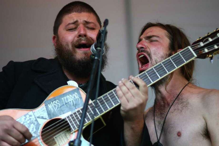 Ben Nigunim, left, and Forest Borie of the band Di Nigunim perform their folk punk music during the Folklife Festival. Photo: JOSHUA TRUJILLO / SEATTLEPI.COM
