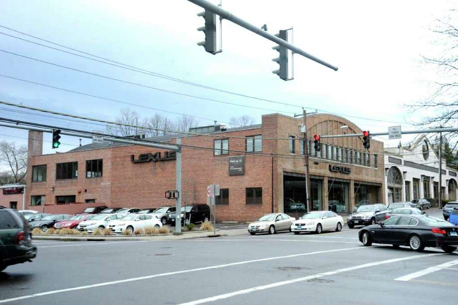 Lexus of Greenwich, on Railroad Avenue and Arch Street, wants to move its service facility, on the left of the building, to a lot it owns on Old Track Road. Photo: File Photo / Greenwich Time File Photo