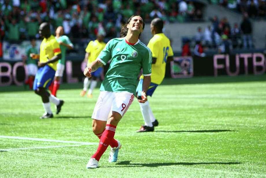 Mexico player Aldo de Nigris reacts after he missed a goal against Ecuador. Photo: JOSHUA TRUJILLO / SEATTLEPI.COM