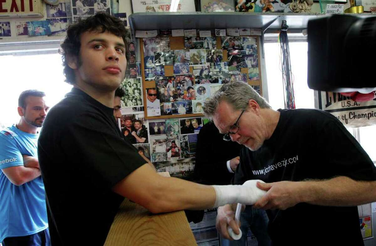 Renowned boxing trainer Freddie Roach (right) will have a reality show debuting on HBO in early 2012.
