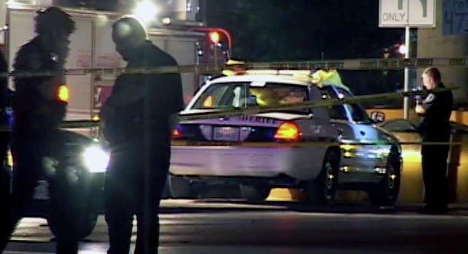 Bexar deputy is shot to death at traffic light - San Antonio Express