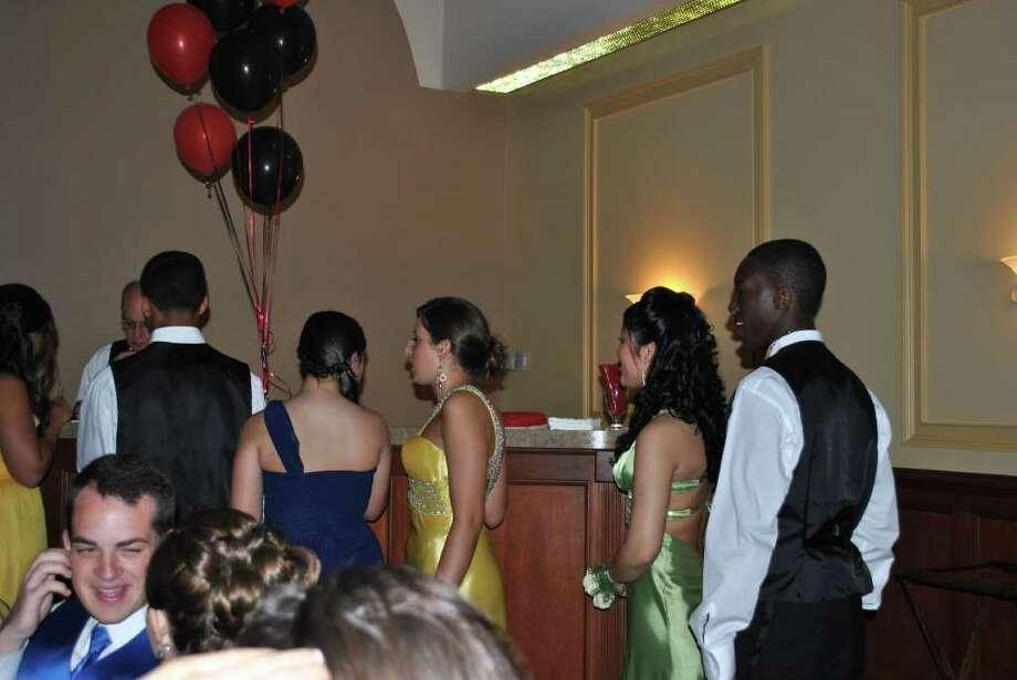 Norwalk Junior High Prom. Photo: Lauren Stevens/Hearst Connecticut Media Group