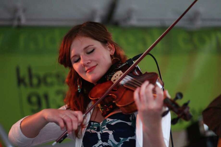 A musician performs during the Northwest Folklife Festival. Photo: JOSHUA TRUJILLO / SEATTLEPI.COM