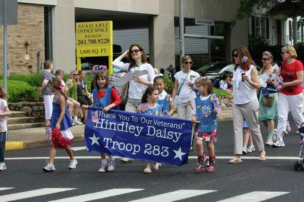 Members of Hindley Elementary School's Daisy Troop march in Darien's Memorial Day Parade Monday morning. Kristen Riolo for the Darien News. Photo: Contributed Photo / Darien News