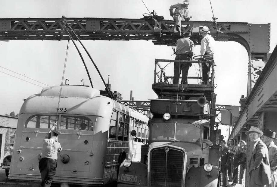 Work on the Ballard Bridge, July 1949. Photo: Seattlepi.com File