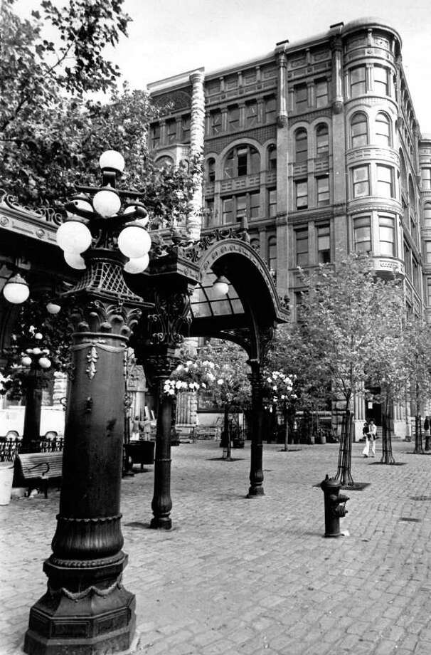 Pioneer Square, Aug. 18, 1975. Photo: Seattlepi.com File / seattlepi.com