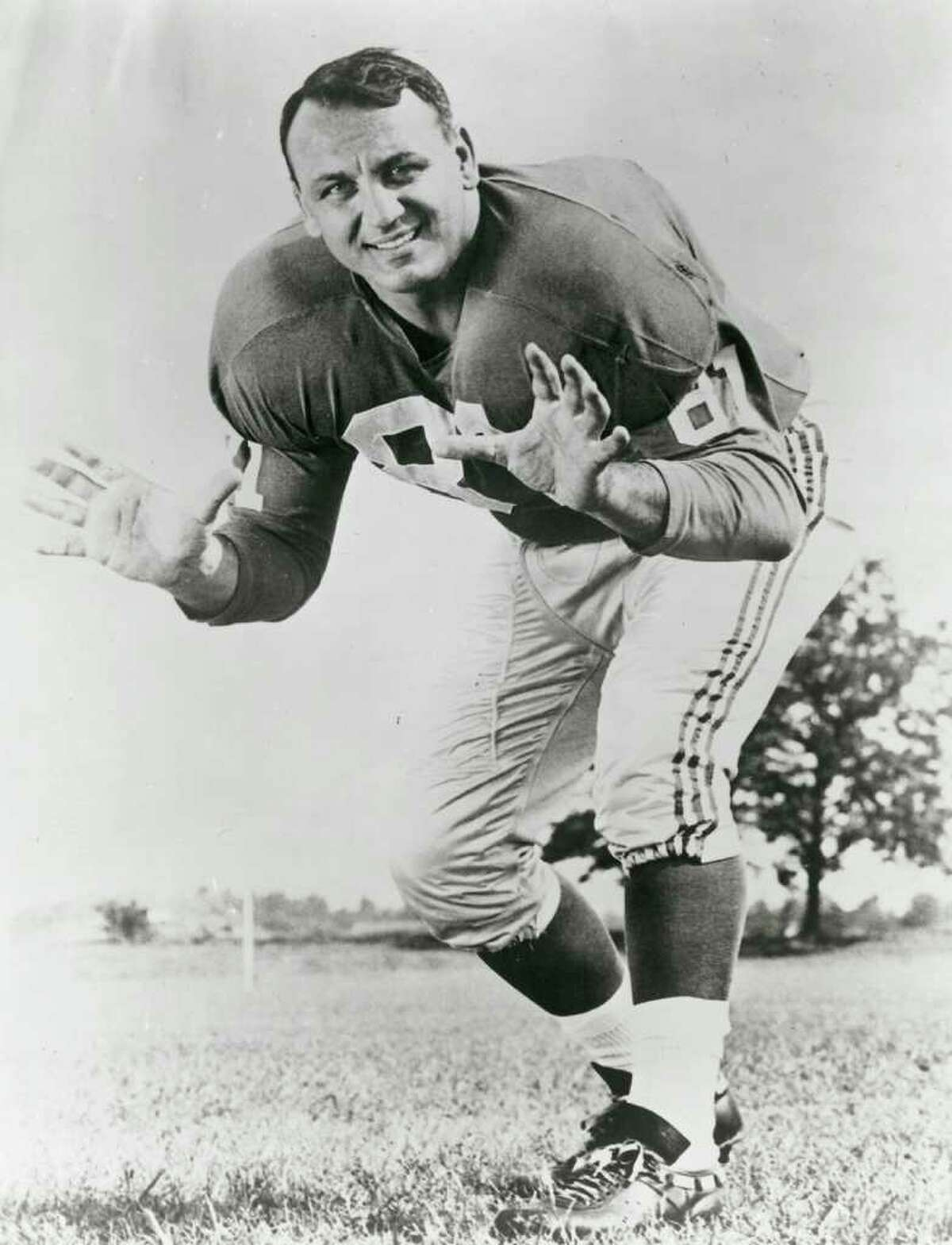 Former New York Giant star defensive end Andy Robustelli, who lived in Stamford, died Tuesday at 85.