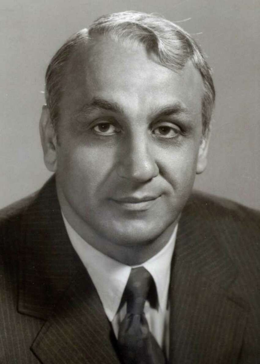 Andy Robustelli, and NFL Hall of Famer and Stamford resident, died Tuesday, May 31, 2011 at 85.