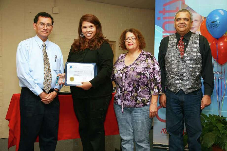 Pictured from the left are Making Connections instructor Larry Garcia; along with recent graduate Lorie A. Atwood; and adjunct instructors Mary Lou Mendoza and John Alcoces. Photo: Courtesy Photo