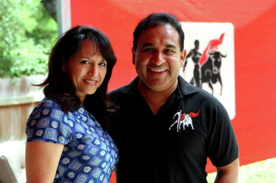 CONEXION: Michael and Esther Mata own the Matador clothing line and have recently invested in bioluster, a haircare product.  HELEN L. MONTOYA/hmontoya@express-news.net Photo: HELEN L. MONTOYA, HELEN L. MONTOYA/hmontoya@express-news.net / SAN ANTONIO EXPRESS-NEWS