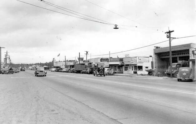 A May 1946 photo looking north at the intersection of what's now Lake City Way Northeast and 30th Avenue Northeast. Photo: Seattlepi.com File