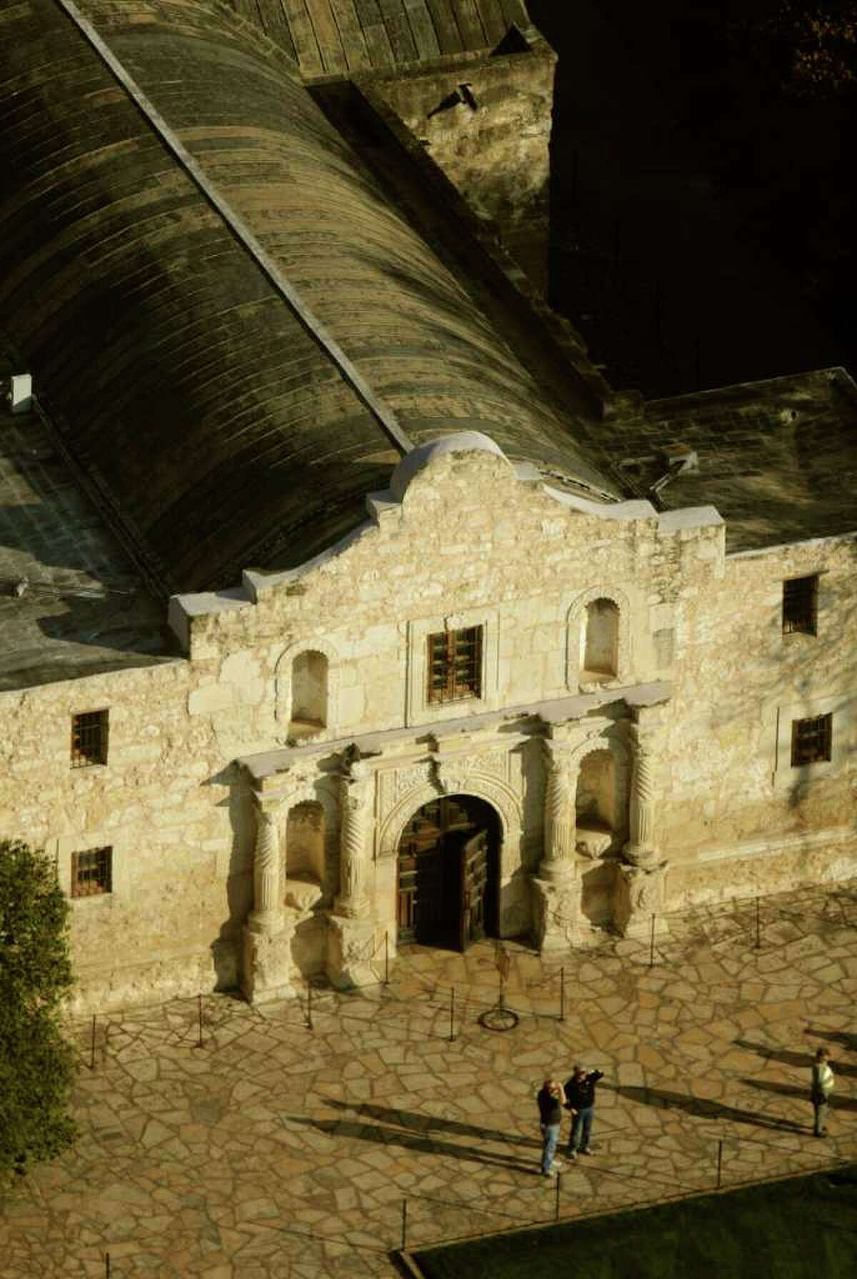 Legislation that would give the General Land Office oversight over the Daughters of the Republic of Texas at the Alamo has been sent to Gov. Rick Perry.