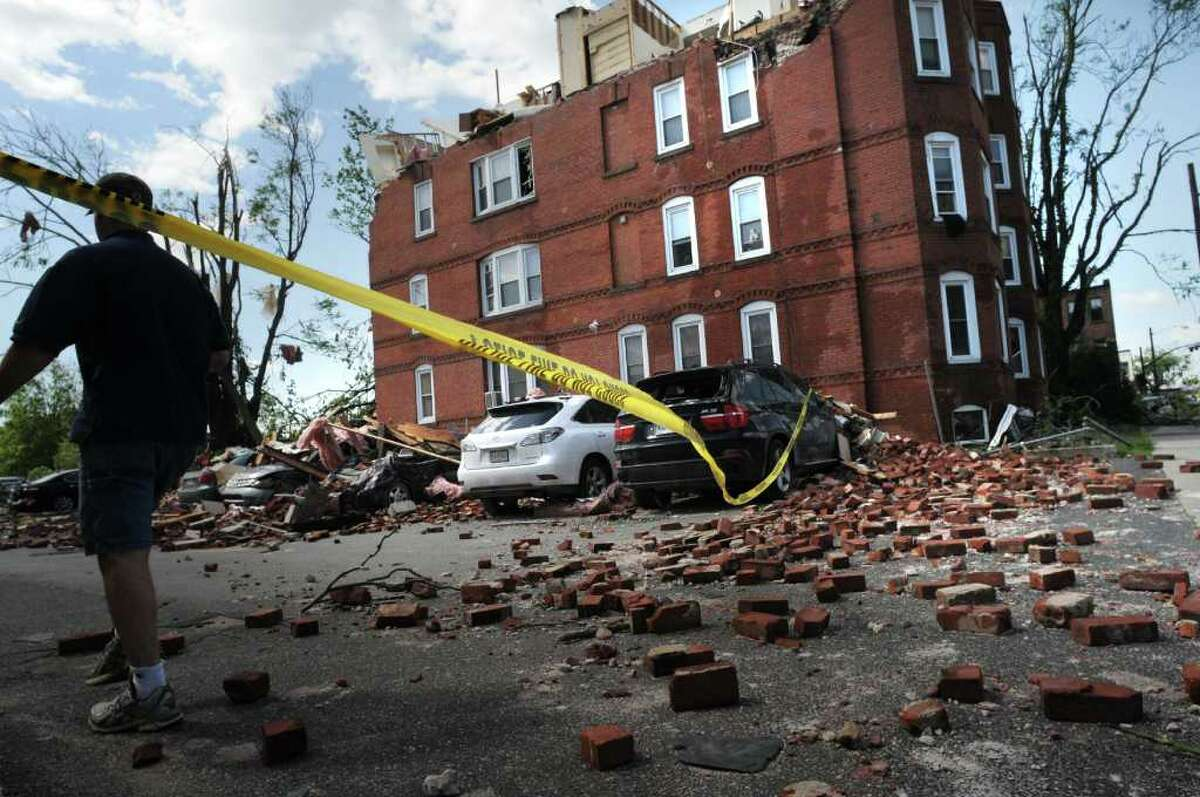 An apartment building on Union Street had its roof torn off following Wednesday's tornado that hit downtown Springfield, Mass. (Paul Buckowski / Times Union)