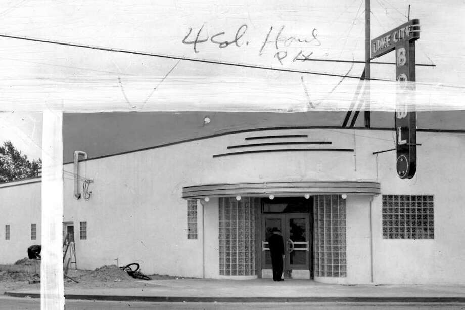 The Lake City Bowl building, March 13, 1946. The bowling alley opened that year at 12014 Lake City Way N.E. Photo: Seattlepi.com File