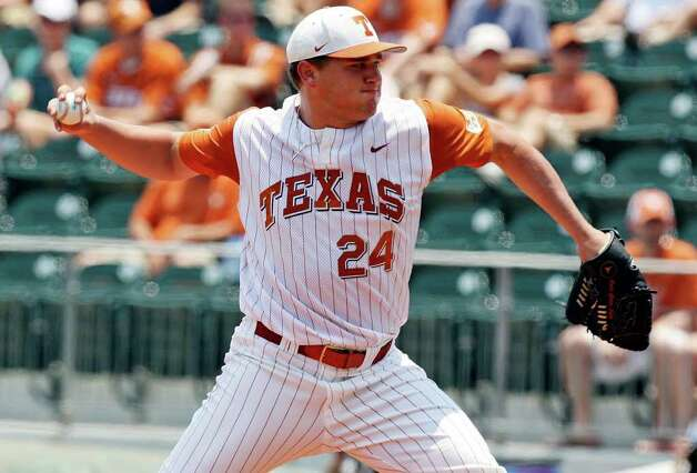 Texas' Cole Green pitches against Texas State. Photo: EDWARD A. ORNELAS, Edward A. Ornelas/Express-News / © SAN ANTONIO EXPRESS-NEWS (NFS)