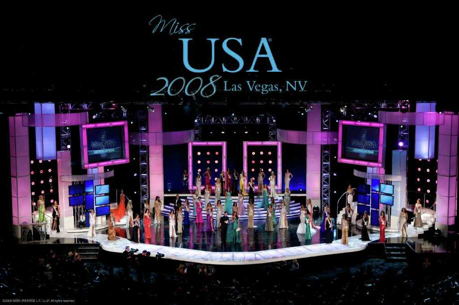 Hosts for the Miss USA Presentation show are Jason Feinberg and Rachel Smith, Miss USA 2007.  Surrounding them are the 51 Miss USA Contestants from left counter clockwise:  Casandra Tressler, Miss Maryland USA 2008; Andrea Duke, Miss North Carolina USA 2008; Elisabeth Crawford, Miss Michigan USA 2008; Cassie Shore, Miss Wyoming USA 2008; Kaetlin Parent, Miss Maine USA 2008; Stephanie Tollefson, Miss North Dakota USA 2008; Michelle Marie Font, Miss Washington USA 2008; Julia Bachison, Miss Utah USA 2008; Jamie Hill, Miss South Carolina USA 2008; Leah Laviano, Miss Mississippi USA 2008; Jonelle Layfield, Miss Hawaii USA 2008; Charlie Buhler, Miss South Dakota USA 2008; Abbey Nicole Curran, Miss Iowa USA 2008; Tori Rae Wanty, Miss Montana USA 2008; Courtney Erin Carroll, Miss Alaska USA 2008; Alysha Noel Harris, Miss Kentucky USA 2008; LauRen Merola, Miss Pennsylvania USA 2008; Beckie Hughes, Miss Colorado USA 2008; Raquel Roxanne Beezley, Miss California USA 2008; Keisha Walding, Miss Alabama USA 2008; Mary Lee Horch, Miss Oregon USA 2008; Kaylee Unverzagt, Miss Minnesota USA 2008; Kim Tantlinger, Miss Vermont USA 2008; Amanda Kozak, Miss Georgia USA 2008; Shanon Lersch, Miss Illinois USA 2008; Rachel Howells, Miss Arkansas USA 2008; Amy Diaz, Miss Rhode Island USA 2008; Michelle Berthelot, Miss Louisiana USA 2008; Vincenza Carrieri-Russo, Miss Delaware USA 2008; Crystle Stewart, Miss Texas USA 2008; Jackie Bruno, Miss Massachusetts USA 2008; Micaela Johnson, Miss Nebraska USA 2008; Tiffany Andrade, Miss New Jersey USA 2008; Jessica Rafalowski, Miss Florida USA 2008; Tracey Brown, Miss Idaho USA 2008; Hailey Laine Brown, Miss Tennessee USA 2008; Brittany Mason, Miss Indiana USA 2008; Candice Crawford, Miss Missouri USA 2008; Jacqueline Honulik, Miss Connecticut USA 2008; Danielle Roundtree, Miss New York USA 2008; Monica Day, Miss Ohio USA 2008; Michelle Gillespie, Miss Kansas USA 2008; Tori Hall, Miss Virginia USA 2008; Kimberly Joiner, Miss Arizona USA 2008; Chelsey Photo: GREG HARBAUGH, HO / MISS UNIVERSE L.P., LLLP