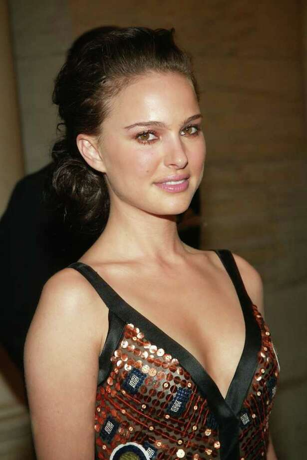 Portman attends the '2004 CFDA Fashion Awards' at the New York Public Library on June 7, 2004. Photo: Evan Agostini, Getty Images / 2004 Getty Images