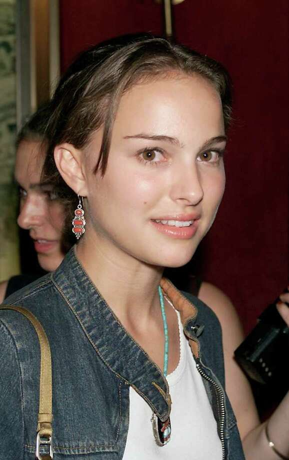 Portman arrives at the premiere for 'A.I. Artificial Intelligence' at the Ziegfeld Theater in New York on June 26, 2001. Photo: Scott Gries, Getty Images / Getty Images North America