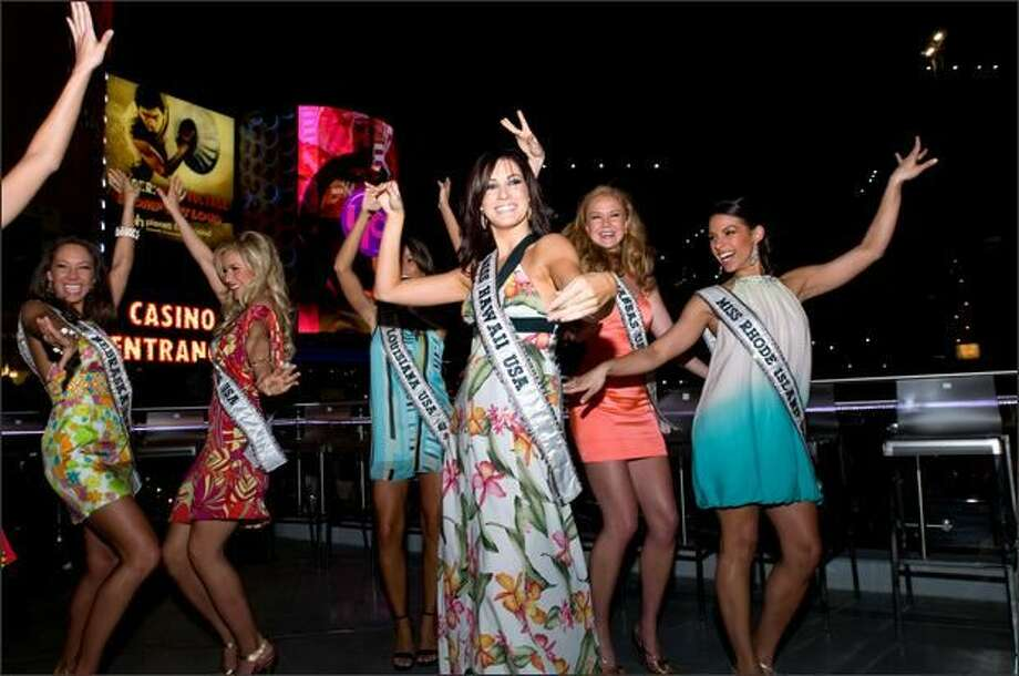 Micaela Johnson, Miss Nebraska USA 2008, Candice Crawford, Miss Missouri USA 2008, Michelle Berthelot, Miss Louisiana USA 2008, 