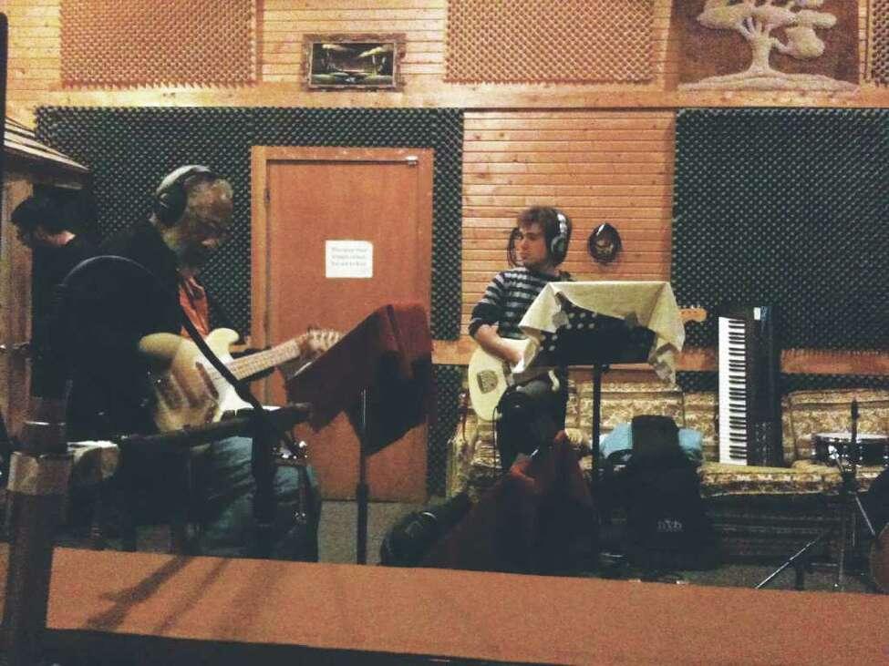 (l to r) Chuck Rainey and Avi Zahner-Isenberg of Sevendys recording