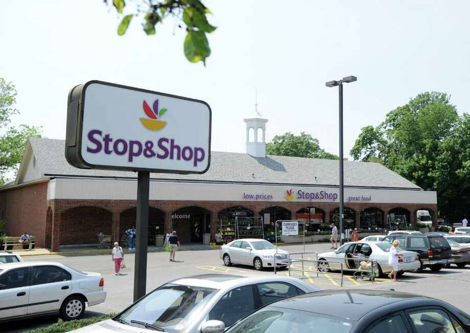 Stop & Shop, at 161 W. Putnam Ave., Greenwich, Wednesday afternoon, June 8, 2011.  According to police, a man who shoplifted from the supermarket on Tuesday, threatened a store employee with a hypodermic needle when confronted by the employee regarding the shoplifting. Photo: Bob Luckey / Greenwich Time