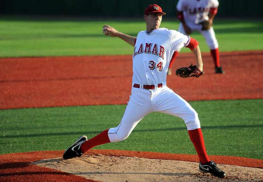 Lamar's Blake Ford pitches against UT-Arlington at Vincent Beck Stadium at Lamar University in Beaumont, Friday. Tammy McKinley/The Enterprise Photo: TAMMY MCKINLEY