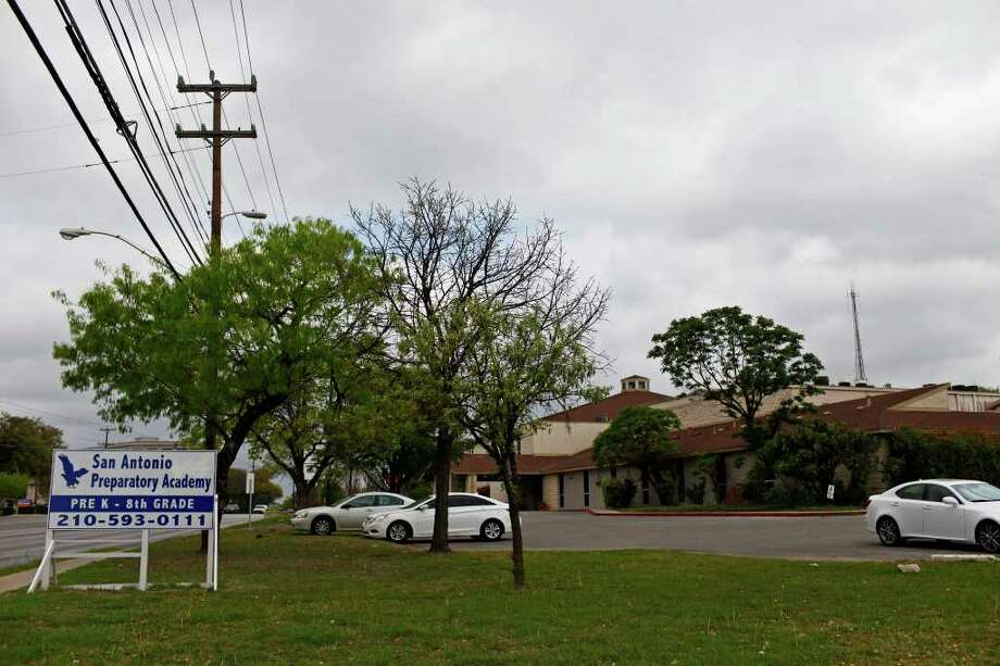 A Texas Education Agency report traces the district's mismanagement to its creation in 2003. Photo: Express-News File Photo / SAN ANTONIO EXPRESS-NEWS