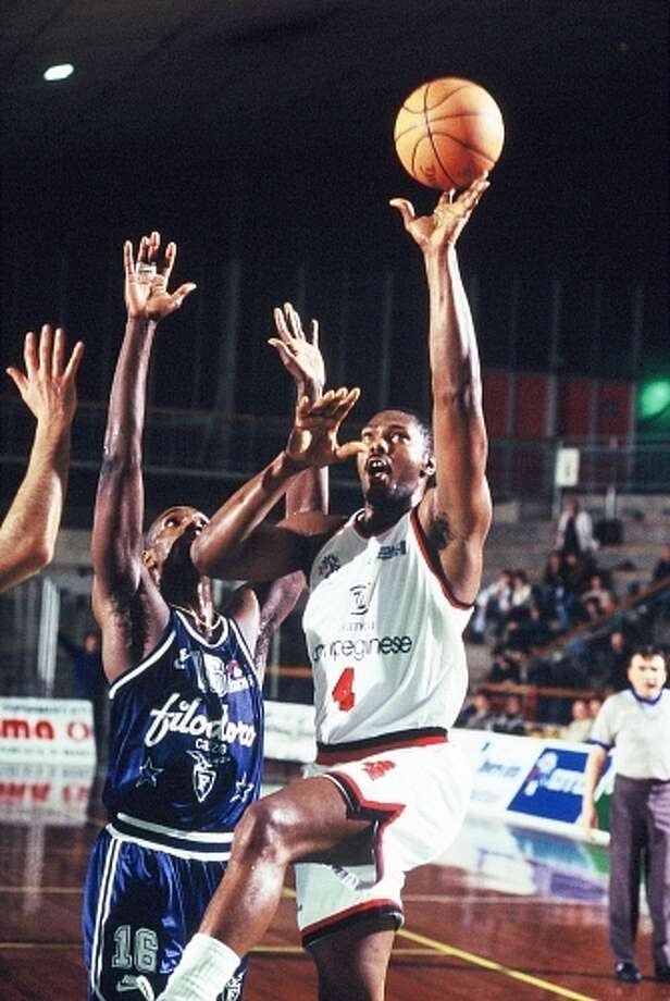 Mike Mitchell in action in Italy while playing with Reggio Emilia. Courtesy photo. Photo: Courtesy Photo