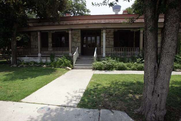 The Eager House, built at the end of the Civil War, sits along Alamo Street near other historic residences and sites along the trail, including Beethoven Hall and HemisFair Park. OMAR PEREZ / EXPRESS-NEWS / SAN ANTONIO EXPRESS-NEWS