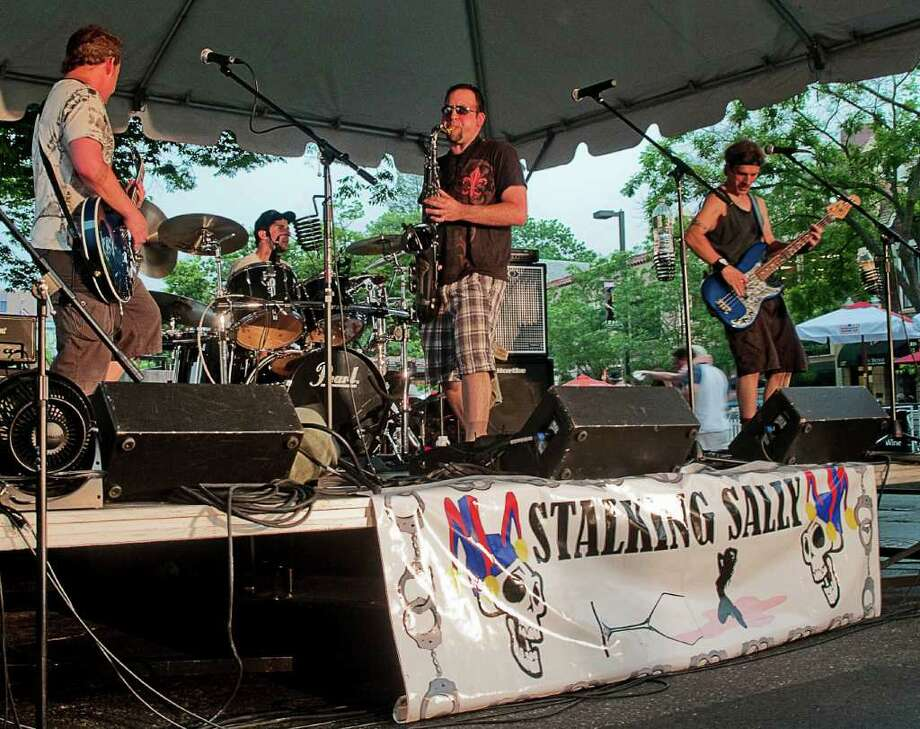 Bandapalooza on Bedford Street in Stamford on June 6 was not well attended due to the oppressive heat and the threat of storms. Photo: Mike Macklem / Hearst Connecticut Media Group