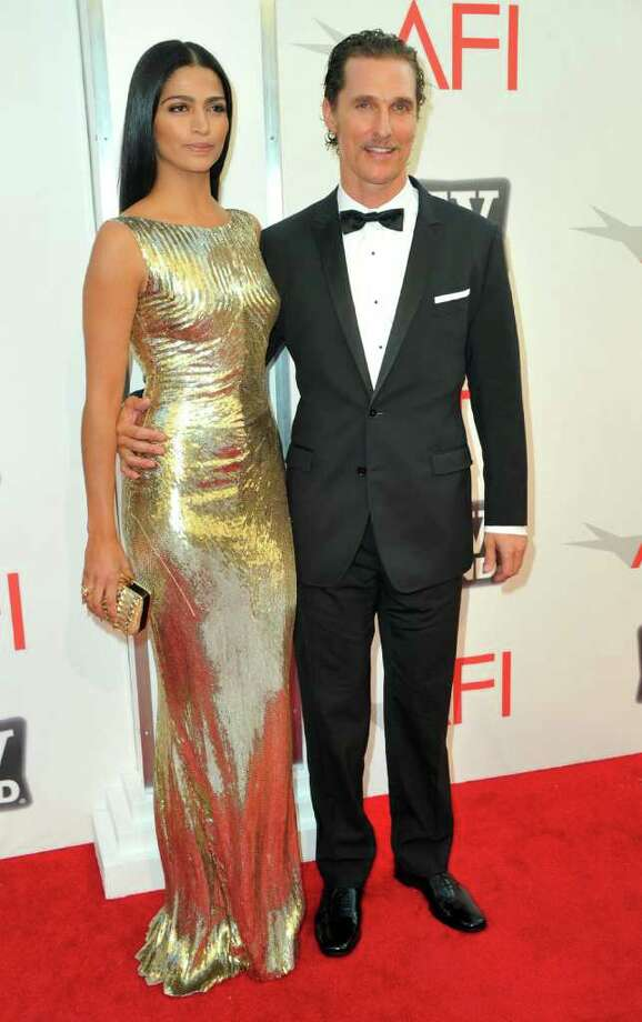 Model Camila Alves (L) and actor Matthew McConaughey arrive. Photo: Alberto E. Rodriguez, Getty Images / 2011 Getty Images
