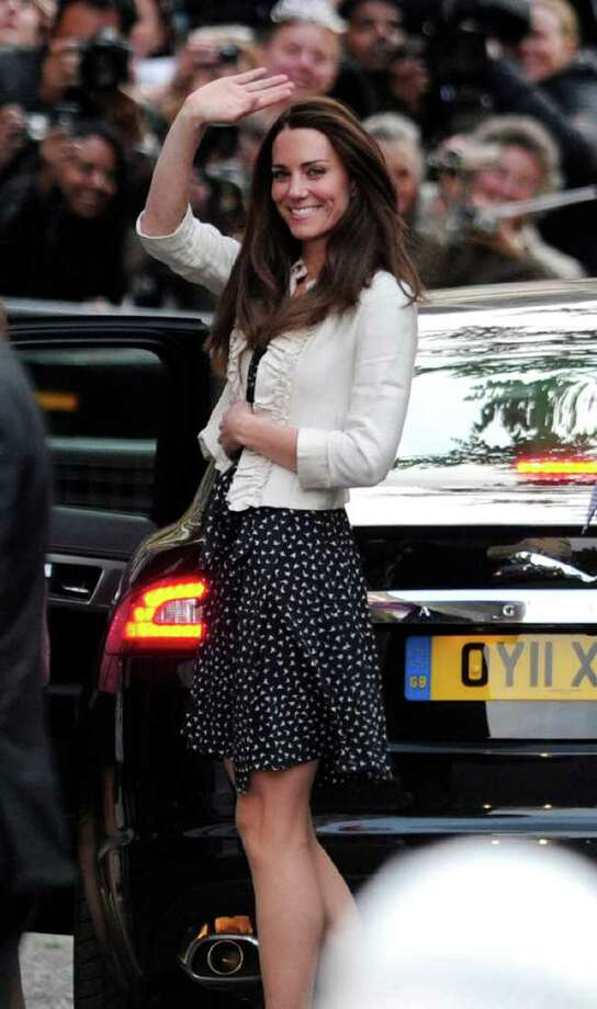 Kate Middleton arrives at the Goring Hotel in central London. Photo: CARL COURT, Stringer / 2011 AFP