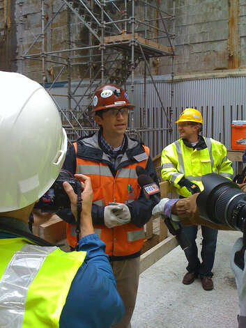 Rick Capka, construction manager at the Capitol Hill light rail site, explains how the tunnel boring machine works. Photo: Scott Gutierrez/seattlepi.com