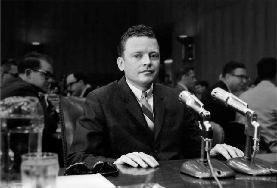 James Boyd, former assistant to Sen. Thomas Dodd, testifies against him before the Senate Ethics Committee. Photo: Contributed Photo, ST / Connecticut Post Contributed