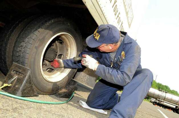 State checks trucker violations as part of safety blitz for Motor carrier safety administration
