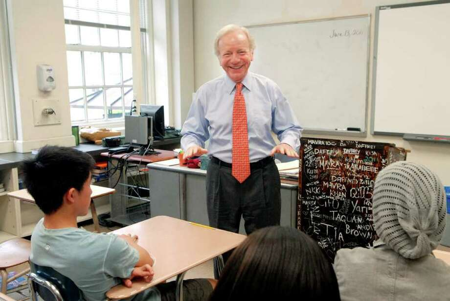 U.S. Senator Joe Lieberman (I-CT)  visits with Stamford ( Conn. ) High Civics students at his alma mater, Stamford High School, to discuss public service and foreign policy on Monday June 13, 2011. Photo: Dru Nadler / Stamford Advocate Freelance