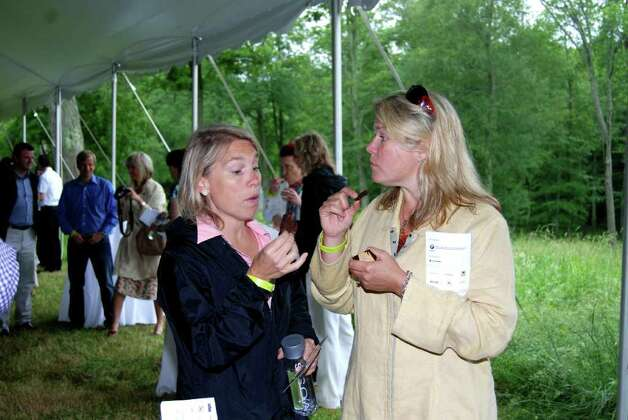 Jane Mitchell and Andrea O'Meara from Wilton discuss chocolate! Photo: Jeanna Petersen Shepard / New Canaan News