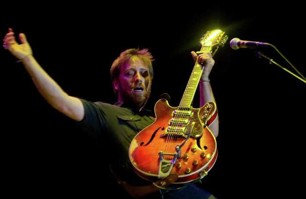 Dan Auerbach of The Black Keys performs during the Bonnaroo Music and Arts Festival in Manchester, Tenn., Saturday, June 11, 2011. Photo: AP