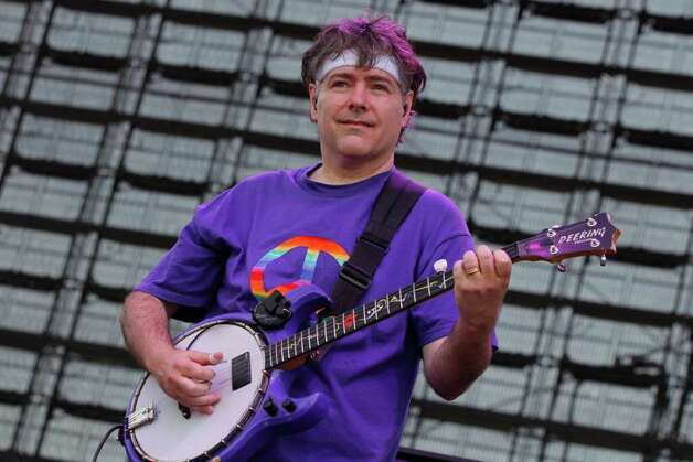 Bela Fleck performs during the Bonnaroo Music Festival in Manchester, Tenn., Friday, June 10, 2011. Photo: AP