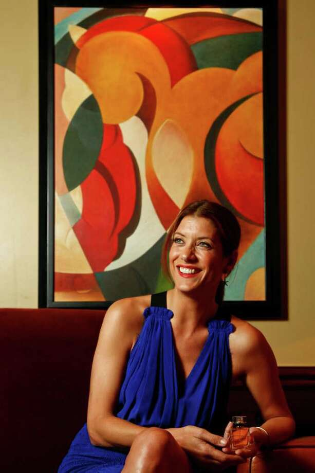 Actress Kate Walsh (of Grey's Anatomy and Private Practice) is in town to promote her new fragrance, BOYFRIEND at the St. Regis Hotel, Friday, June 3, 2011, in Houston. ( Michael Paulsen / Houston Chronicle ) Photo: Michael Paulsen, Staff / © 2011 Houston Chronicle