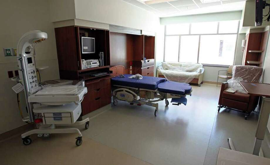 A delivery room at the new hospital. Photo: TOM REEL, SAN ANTONIO EXPRESS-NEWS / © 2011 San Antonio Express-News
