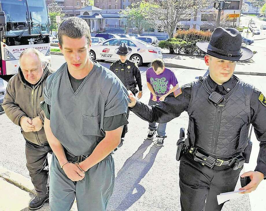 Jeffrey Hampshire is lead to Saratoga City Court in April 15, 2010. (Skip Dickstein/Times Union) Photo: Skip Dickstein / 2008
