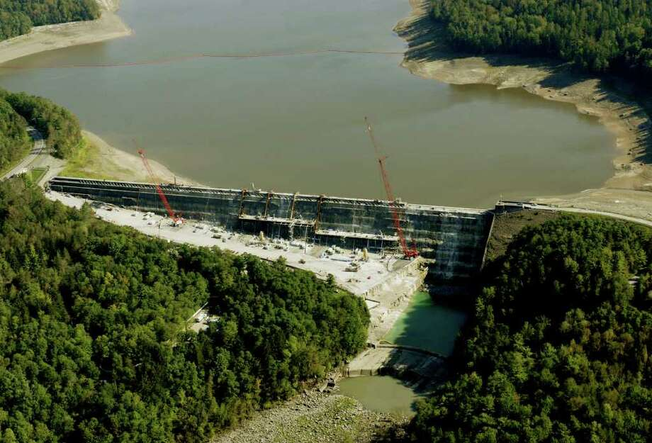 TIMES UNION STAFF PHOTO WILL WALDRON--Gilboa Dam, Monday September 18 2006. Aerial Photo: WW / ALBANY TIMES UNION
