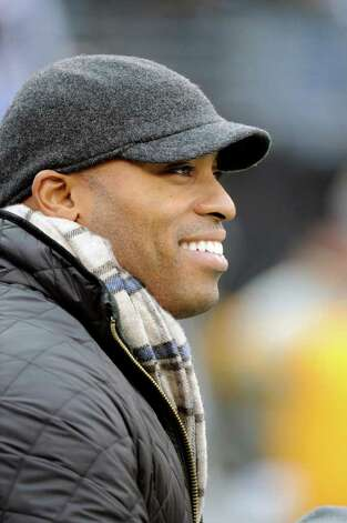 "Former New York Giants running back Tiki Barber didn't compare anyone to Hitler. But he did compare his own hiding from media scrutiny by moving into the attic of Jewish agent Mark Lepselter to young Anne Frank hiding in an attic from the Nazis, saying: ""It was like a reverse Anne Frank thing."" Bill Kostroun/The Associated Press / FR51951 AP"