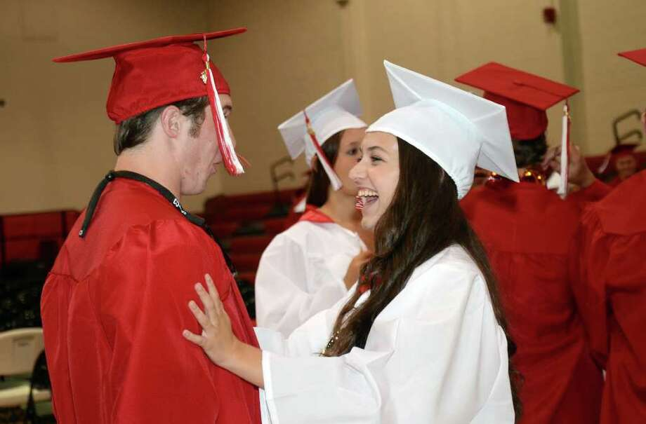 2011 New Canaan High School Commencement on Tuesday, June 21, 2011. Photo: Amy Mortensen / Connecticut Post Freelance