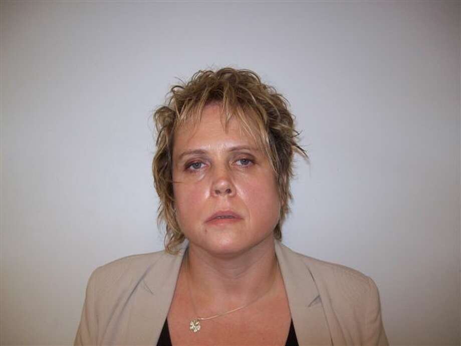 Veronica Beretvas was arrested after police said she posed as a lawyer and took $6,300 from a Selkirk business. (Coeymans Police photo)