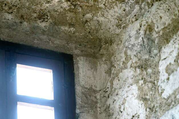 Location of historical graffiti at the Alamo is upper right of window frame over entrance on Thursday, June 23, 2011. Photo: Tom Reel/treel@express-news.net / © 2011 San Antonio Express-News