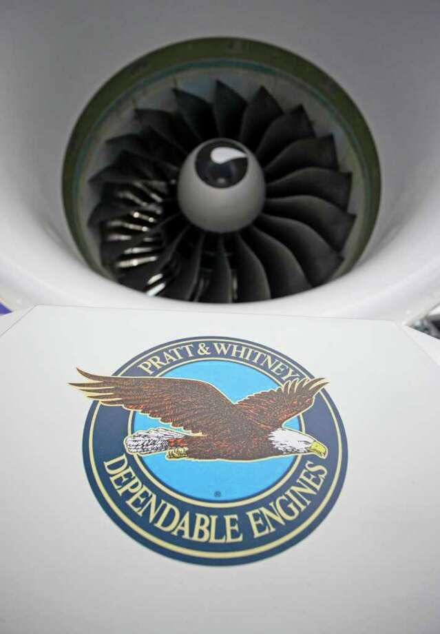 A PW1000G geared turbofan engine, manufactured by Pratt & Whitney, a unit of United Technologies Corp., stands on display at the Paris Air Show in Paris, France, on Thursday, June 23, 2011. Photographer: Chris Ratcliffe/Bloomberg Photo: Chris Ratcliffe, Bloomberg / © 2011 Bloomberg Finance LP